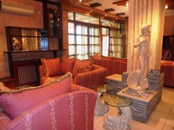 Apartament me qera ne rrugen Ismail Qemali ne Tirane. I pozicionuar ne katin e shtate te nje pallat