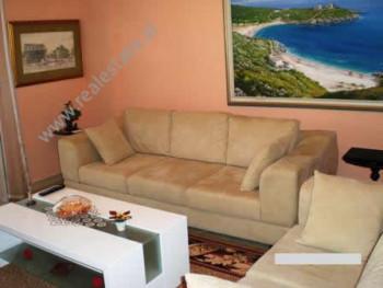 Apartament per shitje prane rruges Gjergj Kastrioti ne Vlore. Ndodhet ne katin e 9-te ne nje pallat