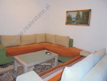 Apartament 2+1 me qera ne rrugen Tafaj ne Tirane. Pozicionohet ne kat te 2-te te nje pallati te ri