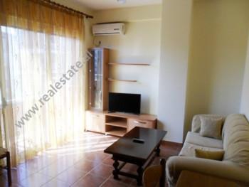 Apartament me qera ne fillimin e rruges Pjeter Budi ne Tirane. Ndodhet ne katin e 9-te ne nje palla
