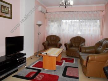 Apartament me qera ne rrugen Don Bosko ne Tirane. Ndodhet ne katin e 2-te ne nje kompleks te ri pal