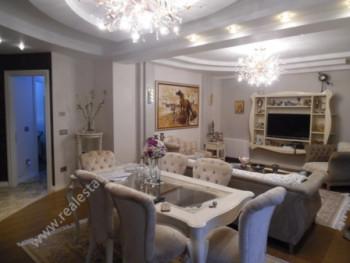 Apartament luksoz me qera ne rrugen Sami Frasheri ne Tirane Apartamenti ndodhet ne katin e 3