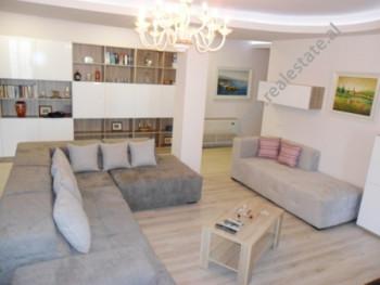 Apartament per shitje ne rrugen e Kavajes ne Tirane. Ndodhet ne katin e 7-te ne nje pallat te ri, p