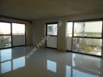 Office space for rent in Jul Variboba Street in Tirana