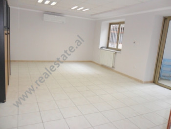Apartment for office for rent near Pjeter Bogdani Street in Tirana. It is situated on the ground fl