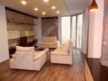 Apartament 2+1 me qera prane ambasades Amerikane dhe stadiumit Qemal Stafa ne Tirane. Apartam