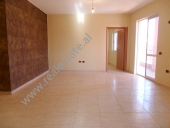 Apartment for sale in Lapraka area in Tirana. It is situated on the 8-th floor in a new complex of