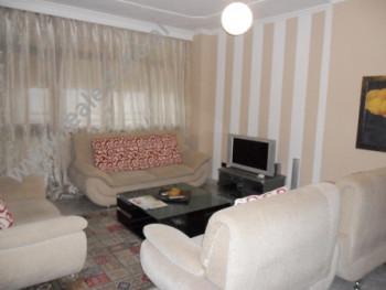 Apartament me qera prane bulevardit Zogu I ne Tirane. Ndodhet ne katin e 11-te dhe te parafundit te
