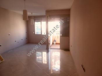 Apartament 2+1 per shitje ne zonen e Selvise ne Tirane. Apartamenti ndodhet ne katin e 7-te te nje