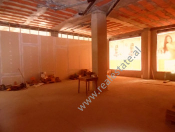 Store for rent close to Botanic Garden in Tirana.