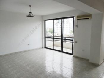 Apartament 2 + 1 per zyre me qera ne rrugen Perlat Rexhepi ne Tirane. Ndodhet ne katin e 6-te ne nj
