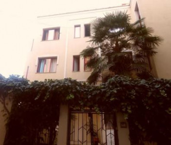 Villa for business for rent in the center of Tirana, located in Fortuzi Street close to crossroad wi