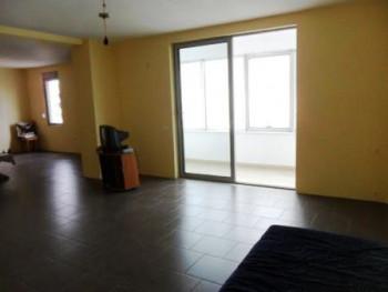 Apartament 2+1 per zyra me qera ne rrugen Dritan Hoxha. Pozicionohet ne katin e 6 te nj