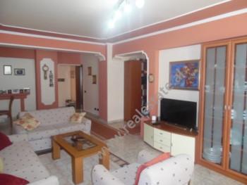 Apartament 2+1 per shitje ne rrugen Faik Konica ne Tirane. Apartamenti ndodhet ne katin e 7-t