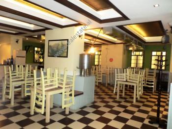 Bar-restorant me qera ne rrugen e Dibres ne Tirane. Ndodhet ne katin e nendheshem te nje pall