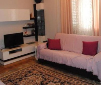 One bedroom apartment for rent in Durresi street in Tirana. The apartment is situated on th