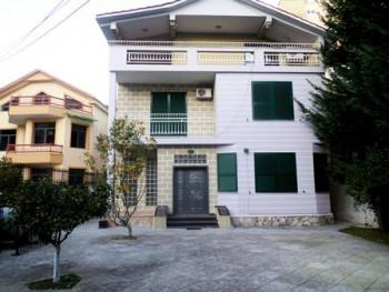 Three storey Villa for rent close to Dinamo Complex in Tirana. It has 370m2 of construction a