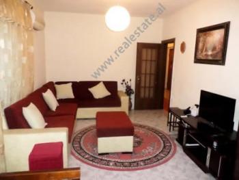 Apartament 2+1 me qera ne fillim te rruges Luigj Gurakuqi ne Tirane Ndodhet ne katin e 3-te te nje