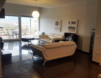 Apartament me qera ne nje komplekset rezidenciale me te mirenjohura ne Lunder. Kompleksi perbehet k