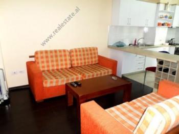 Apartament 2+1 me qera ne rrugen Ibrahim Rrugova ne Tirane. Ndodhet ne katin e 3-te te nje pallati