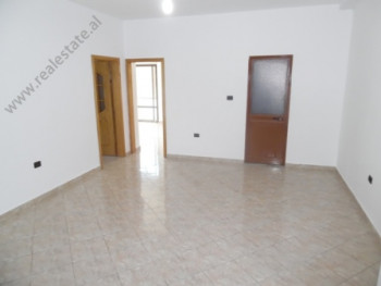 Apartment for offices in Elbasani Street in Tirana The apartment is situated on the second floor of