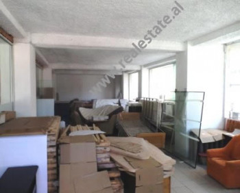 Store for rent close to Sabaudin Grabani school.