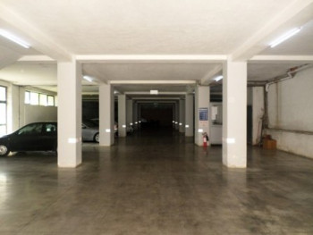 A store space for rent close to Sabaudin Grabani school. Its surface is 1000 m2 open-space, and a h