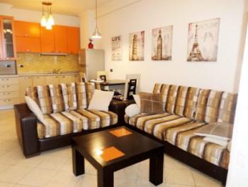Apartament me qera prane rrugen Shefqet Musaraj ne Tirane. Apartamenti ndodhet ne katin e gjashte t