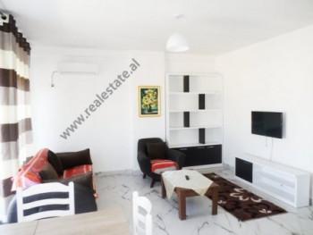 Apartament 2+1 me qera ne rrugen Hamdi Garunja ne Tirane Apartamenti ndodhet ne katin e peste te nj