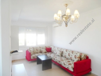 Apartament 2+1 me qera prane Inxhinierise Se Ndertimit ne Tirane. Hyrja ndodhet ne katin e 5-te te