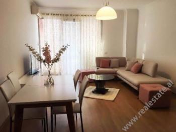 Apartament 3+1 me qera ne fillim te rruges se Dibres ne Tirane  Ndodhet ne katin e 4-te te nje pal