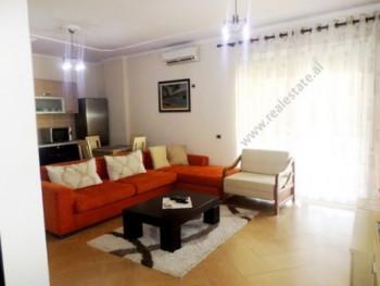 Apartament 1+1 me qera ne rrugen Pjeter Budi ne Tirane. Apartamenti ndodhet ne rruge kryesore prane