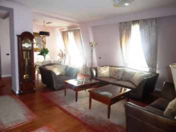 Apartment for rent in Janosh Huniadi street in Tirana. It is situated on the 6-th floor of a new bu