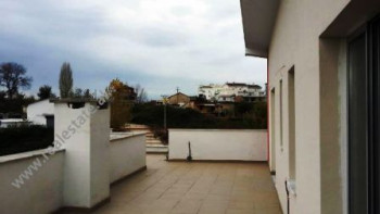 Apartment for sale in Linze area in Tirana. The apartament is situated on the sixth and last floor