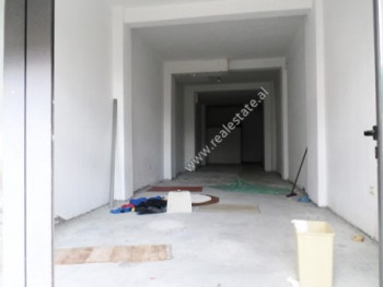 Store for rent in Riza Cerova Street in Tirana