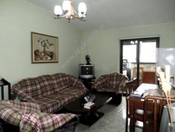 Apartament 3+1 per shitje ne rrugen Myslym Shyri ne Tirane. Apartamenti ndodhet ne katin e gjashte
