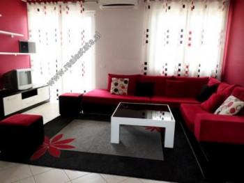 Apartament 2+1 per shitje ne rrugen Millosh Shutku ne Tirane. Pozicionohet ne katin e 5-te te nje p