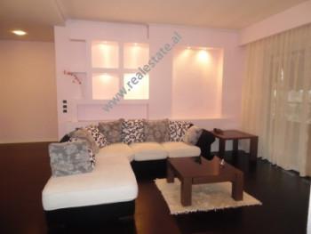 Apartament 2+1 me qera ne rrugen e Elbasanit ne Tirane. Ndodhet ne katin e gjashte te nje pal