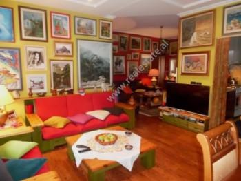 Apartament 3+1 per shitje prane Bulevardit Bajram Curri ne Tirane. Apartamenti ndodhet ne katin e t