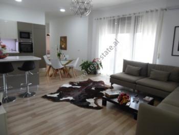 Apartament 2+1 per shitje ne rrugen e Kosovareve ne Tirane. Apartamenti ndodhet ne katin e peste te