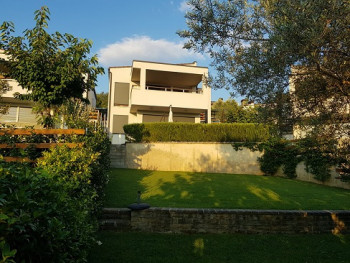 Villa for rent in Lunder, part of a well-known residence.