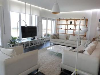 Apartament 3+1 me qera ne rrugen Selite e Vjeter ne Tirane. Apartamenti ndodhet ne katin e fundit t