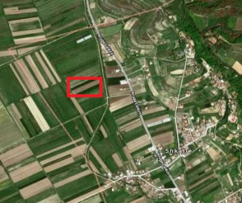 Land for sale in Hoxha street, in Shkalle village in Lalzit Bay. The land has a surface of 3620 m2,