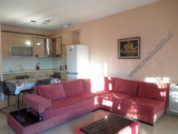 Apartament 2+1 me qera te Kompleksi Karl Topia ne Tirane. Apartamenti ndodhet ne katin e XII-