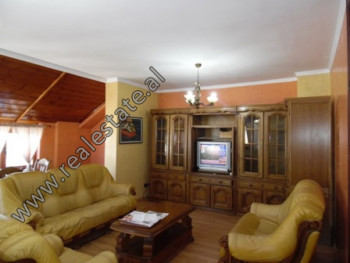 Apartament 2+1 me qera prane rruges Myslym Shyri ne Tirane. Ndodhet ne katin e VIII-te te nje palla