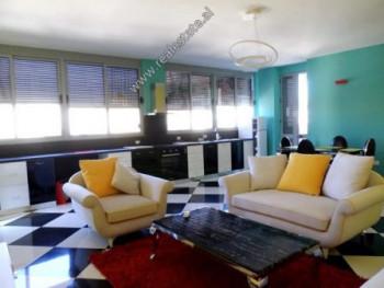 Apartament 2+1 me qera ne rrugen Islam Alla ne Tirane. Ndodhet ne katin e 6-te te nje pallati te ri