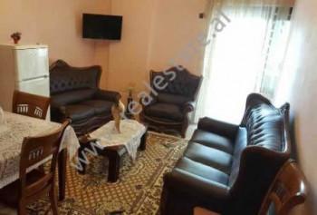 Apartament me qera ne rrugen Lidhja e Prizrenit ne Tirane. Apartamenti ndodhet ne katin