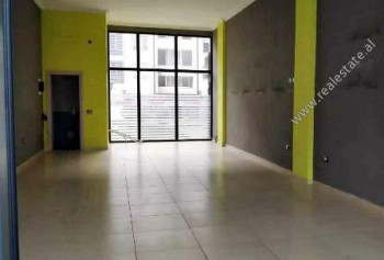 Store space for rent in Kinostudio area in Tirana. It is located on the ground floor of a new build