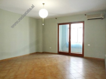 Office space for rent near the Faculty of Natural Sciences in Tirana.