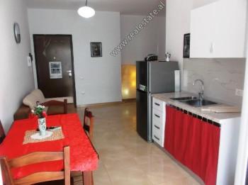 Apartament 1+1 per shitje shume prane zones bregdetare ne Vlore. Ndodhet ne katin e 2-te te nje pal